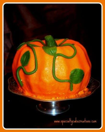 Pumpkin-shaped Cake