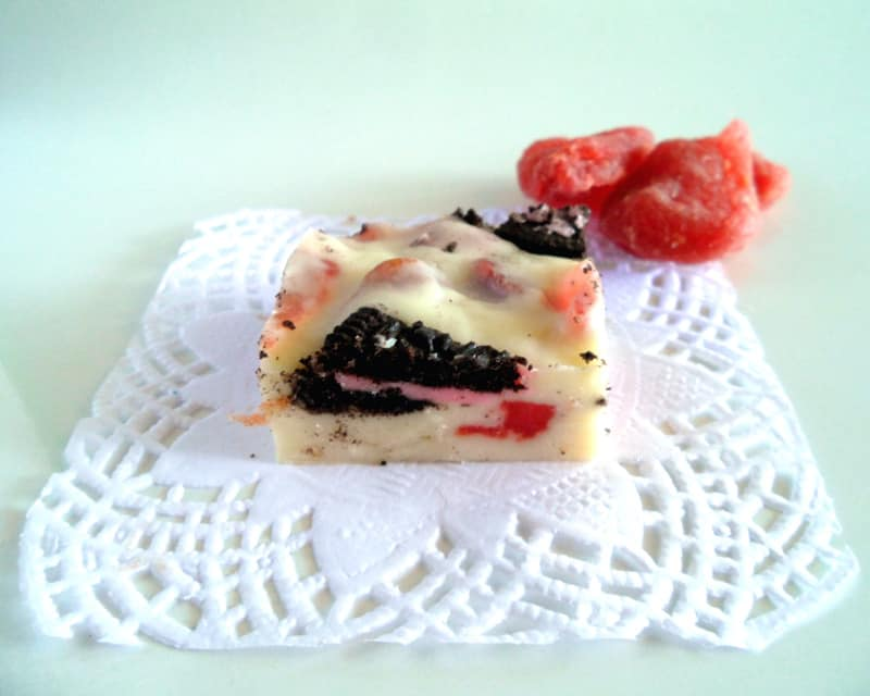 Oreo White Chocolate Cake