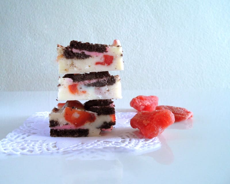 Strawberry Oreo White Chocolate Fridge Cake