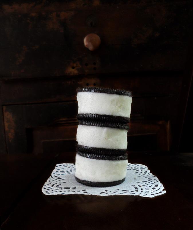 Easy Oreo Icecream Sandwiches   SpecialtyCakeCreations #Oreo #Icecream
