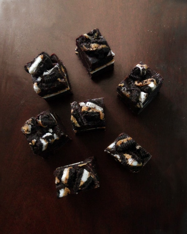 Peanut Butter Oreo Chocolate Fudge from leelalicious.com