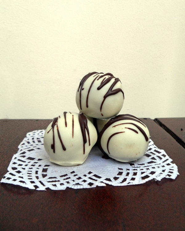 Drizzled White Chocolate Truffles