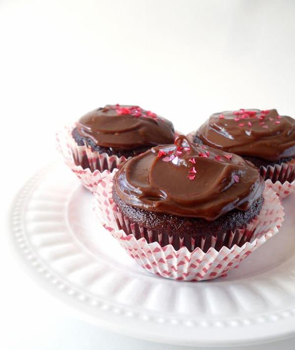 Vegan Chocolate Cupcakes with healthy Chocolate Espresso Frosting + Vegan Dessert Cookbook Giveaway | leelalicious.com