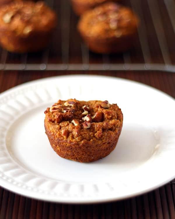 Grainfree Pumpkin Muffins | leelalicious.com