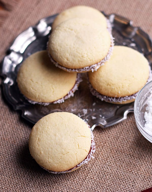 Alfajores with Coconut