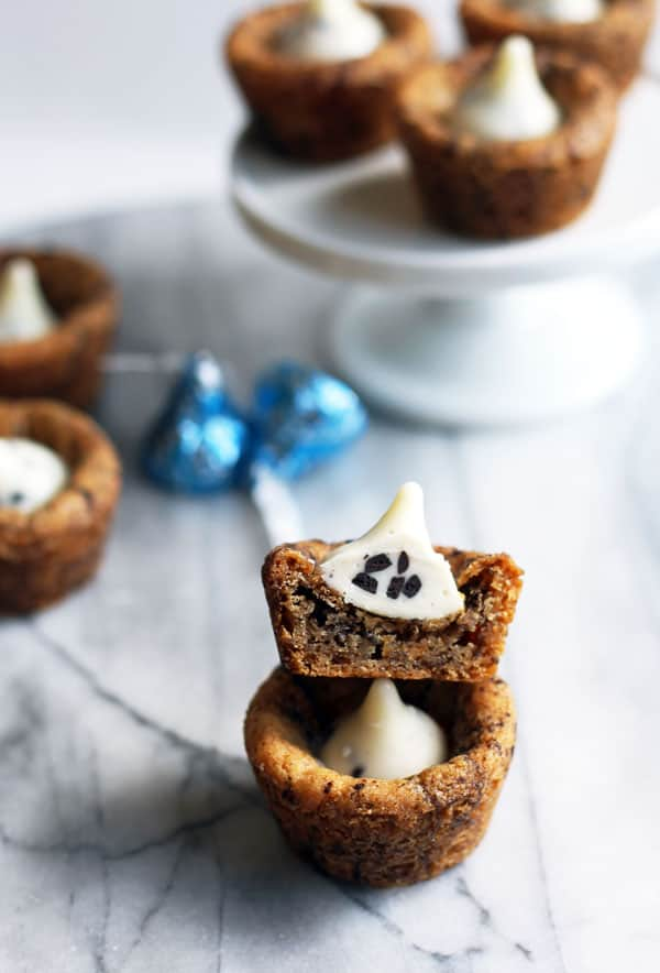 Cookies and Cream Cookie Cups
