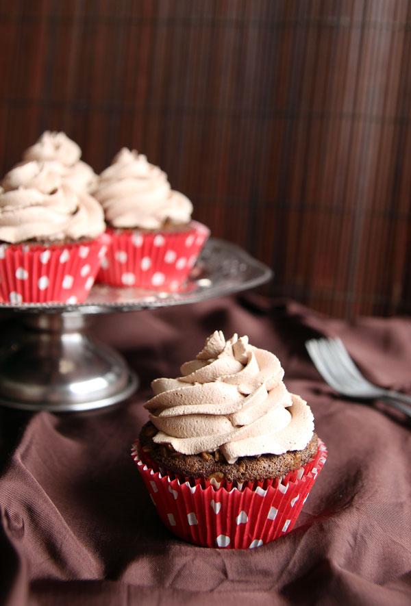 Chocolate Cupcakes with Chocolate Cream
