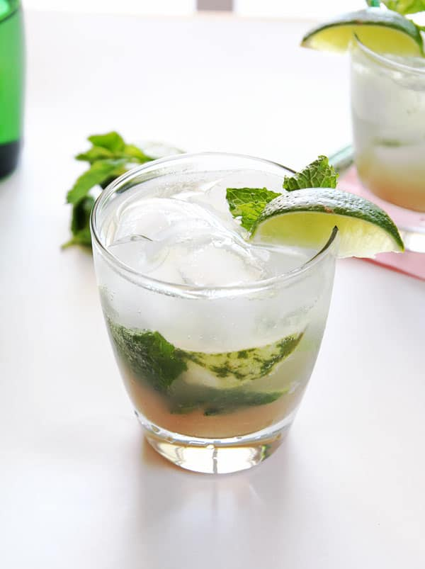 Mojito Mocktail with Lime Slice