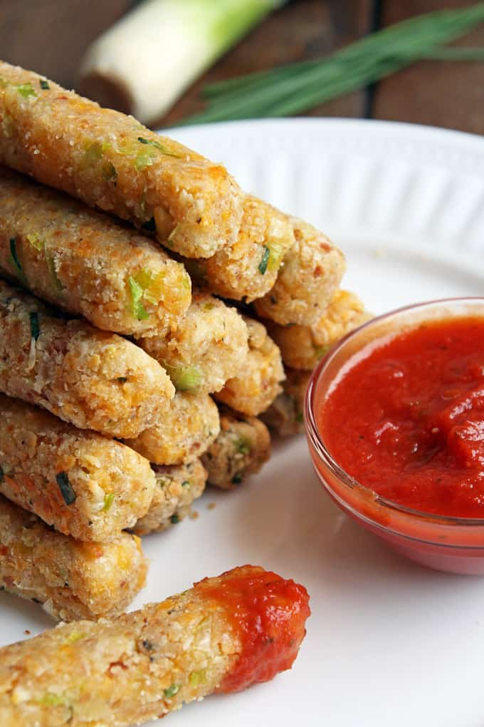 Baked Cheese Sticks with Leek and Chive