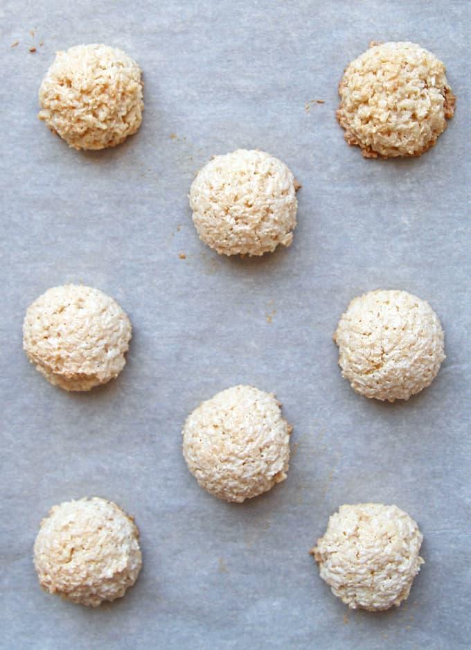 Macaroon Cloud Cookies