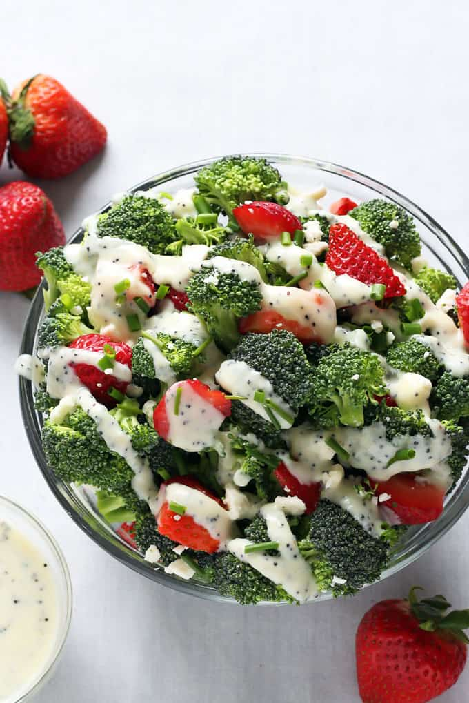 Broccoli and strawberries with creamy poppy dressing