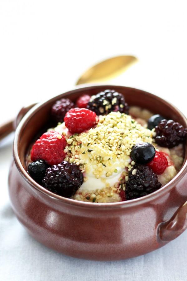 Quinoa Flakes Porridge with Berries