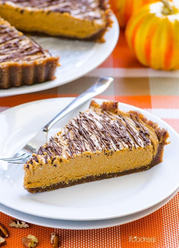 slice-clean-no-bake-pumpkin-pie-recipe
