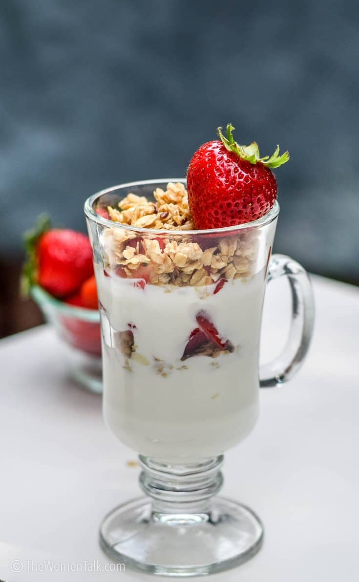 Strawberry-yogurt-parfait