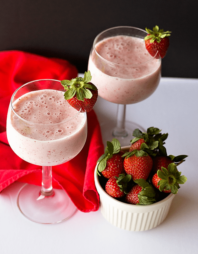healthy-strawberry-milkshake-3-700px
