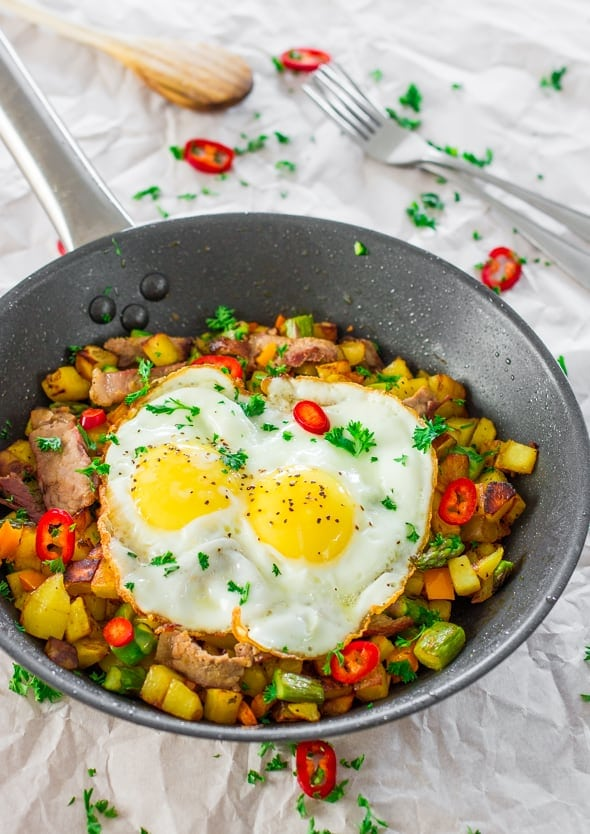 asparagus-potato-hash-with-steak-and-eggs