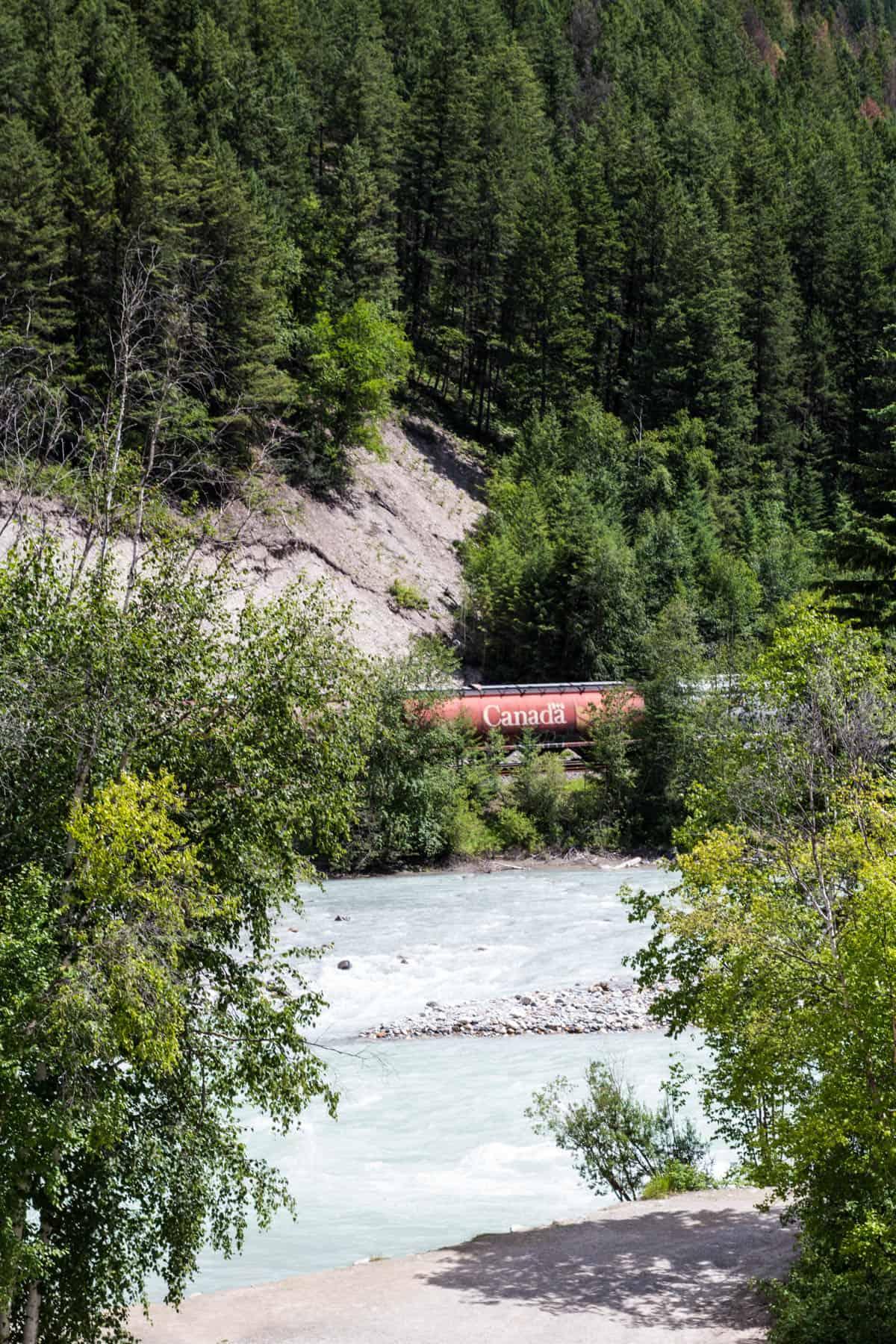 Train Rocky Mountains