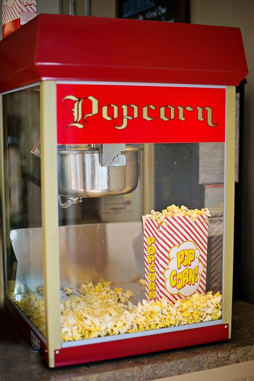 7 best commercial popcorn machines of 2018 leelalicious. Black Bedroom Furniture Sets. Home Design Ideas