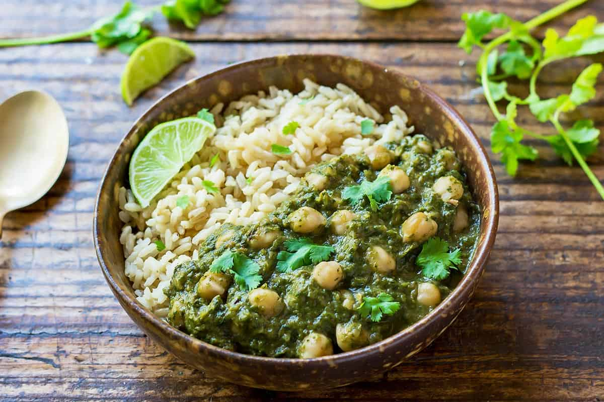 Chickpea and Spinach Curry (Chana Palak) - Leelalicious
