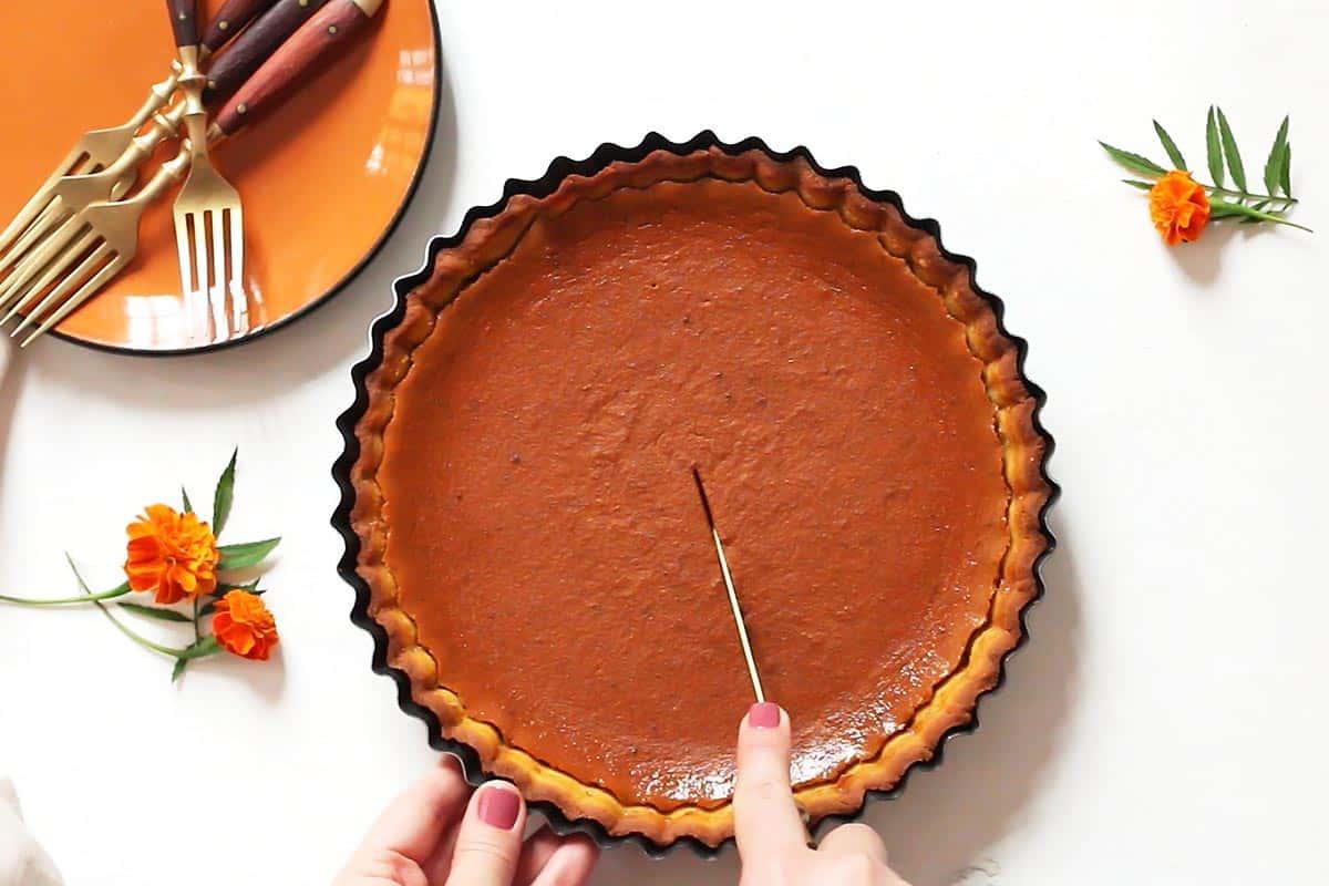 Slicing Paleo Pumpkin Pie