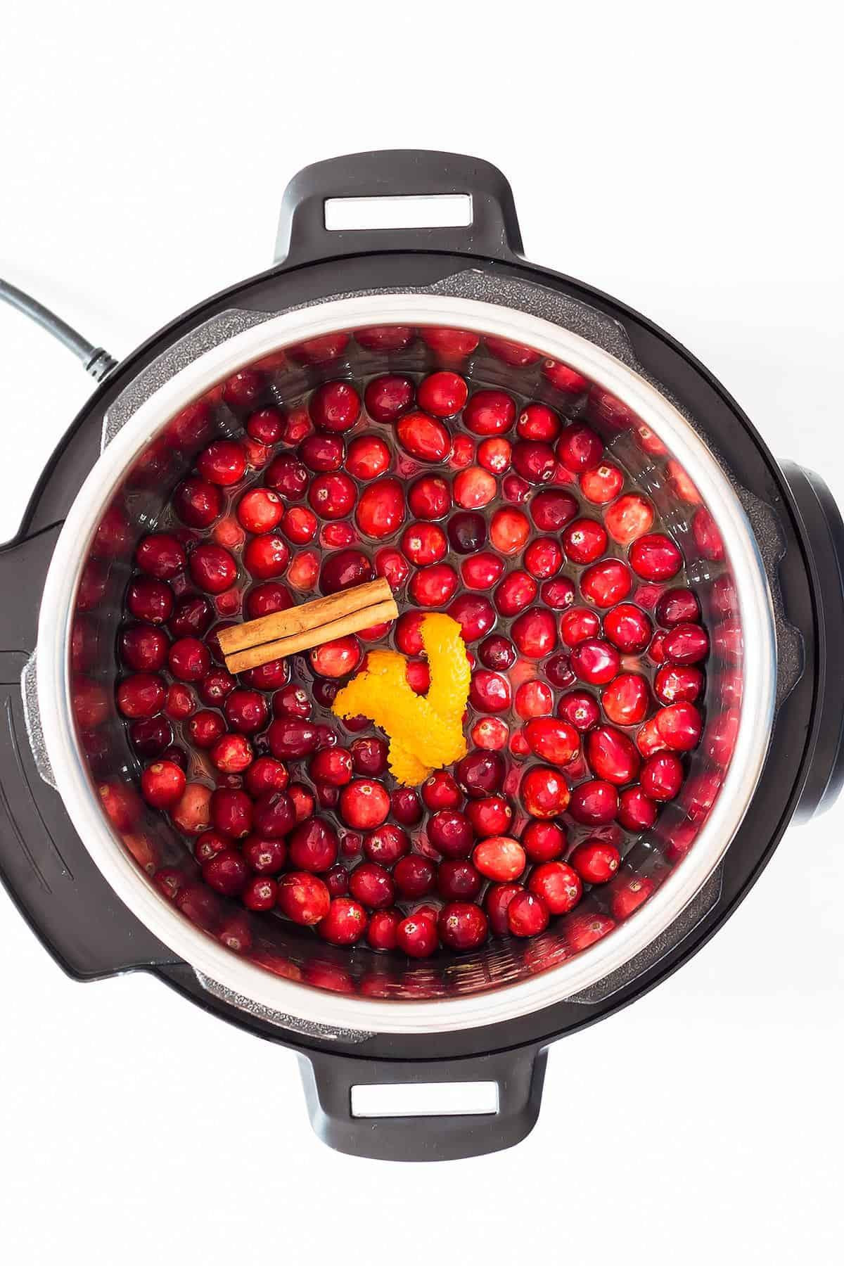 Cranberry Sauce Ingredients in Instant Pot
