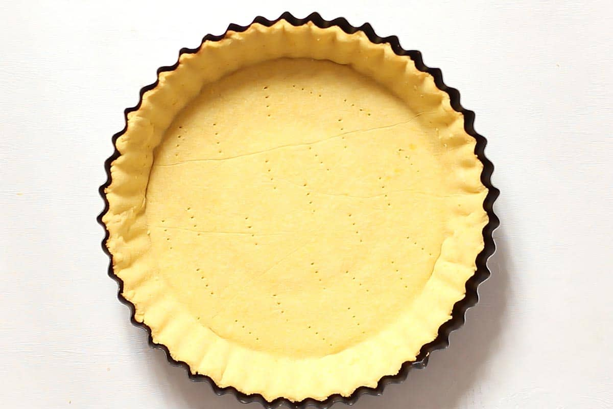 Baked Paleo Pie Crust in Pie Pan