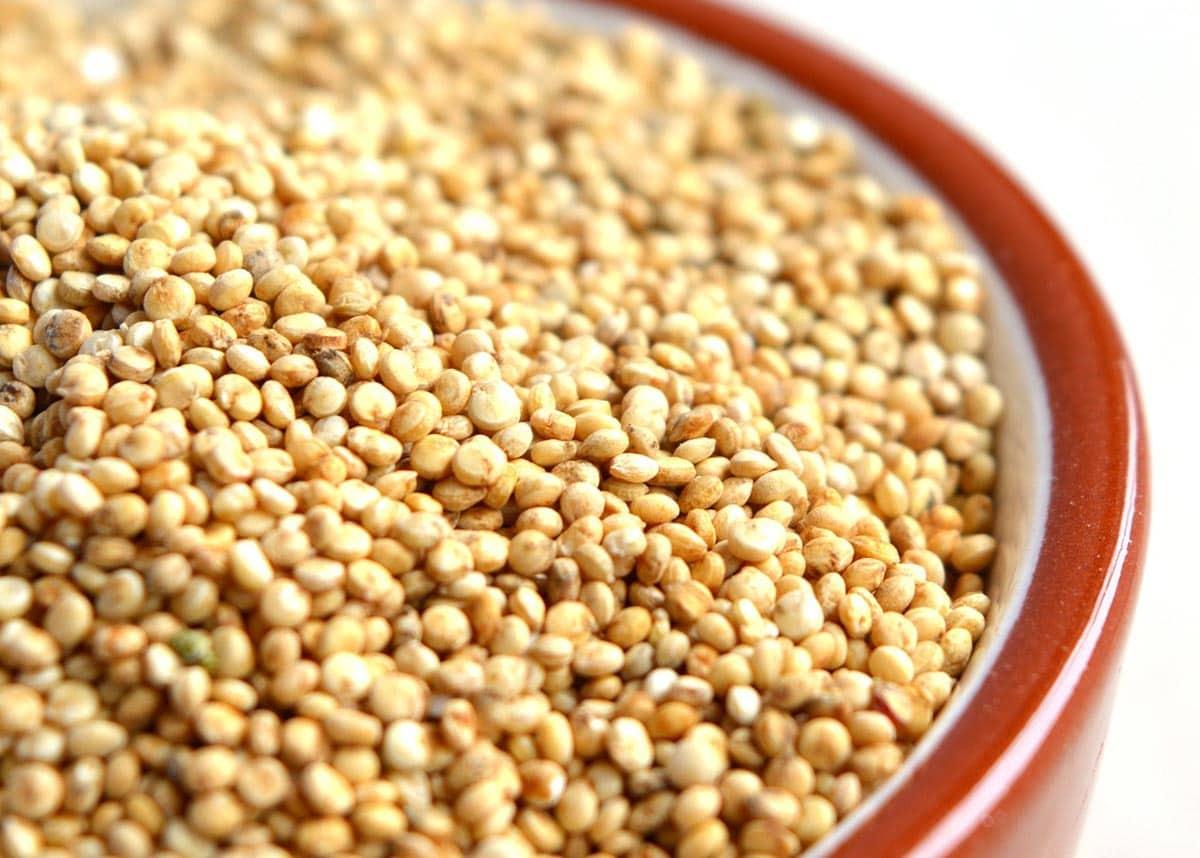Uncooked quinoa in bowl