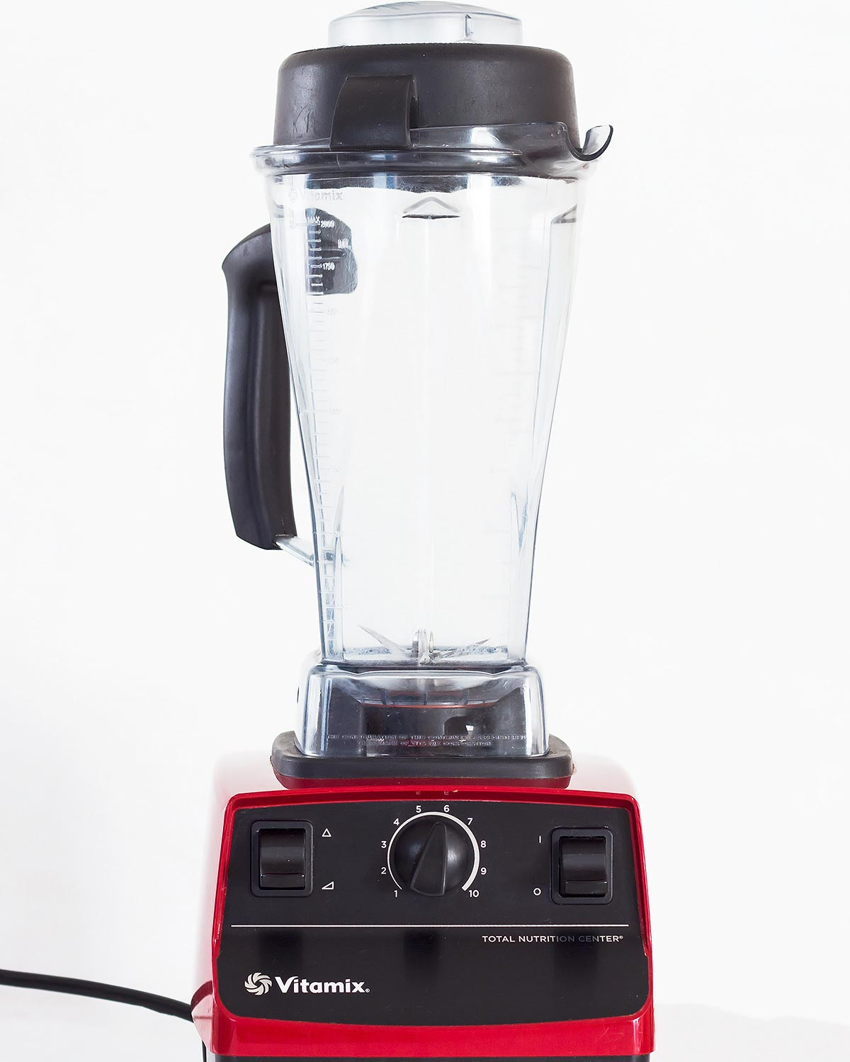 Red Vitamix Blender 5200 with 64 oz jar